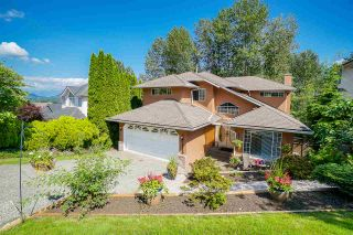 Photo 1: 2880 KEETS Drive in Coquitlam: Coquitlam East House for sale : MLS®# R2473135