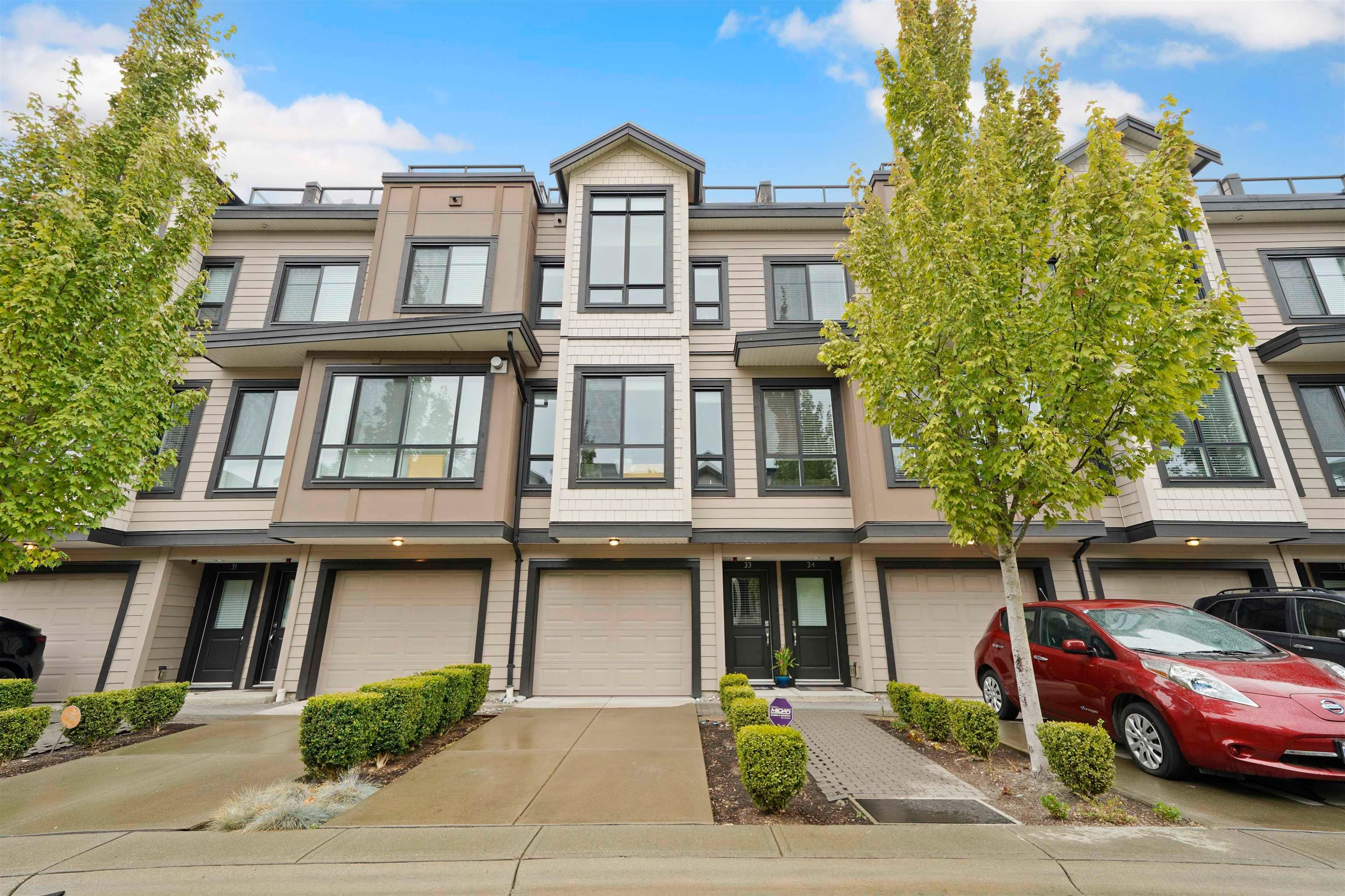 Main Photo: 33 100 WOOD Street in New Westminster: Queensborough Townhouse for sale : MLS®# R2618570