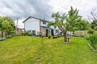 Photo 18: 17865 59 Avenue in Surrey: Cloverdale BC House for sale (Cloverdale)  : MLS®# R2395631