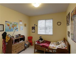 """Photo 8: 17 1055 RIVERWOOD Gate in Port Coquitlam: Riverwood Townhouse for sale in """"MOUNTAIN VIEW ESTATES"""" : MLS®# V1001823"""