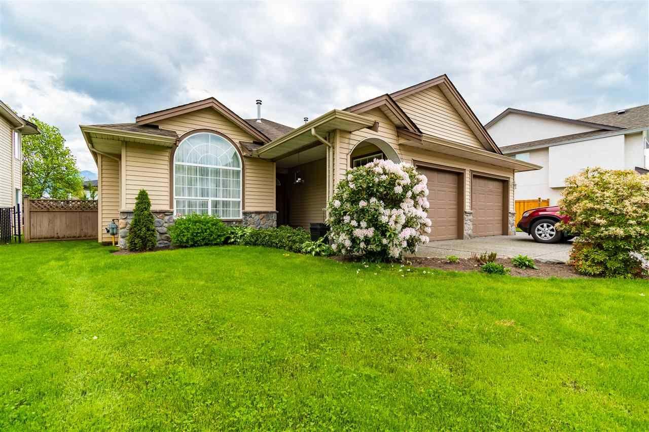 Main Photo: 46368 RANCHERO Drive in Chilliwack: Sardis East Vedder Rd House for sale (Sardis)  : MLS®# R2578548
