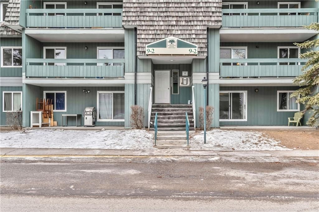 Photo 2: Photos: 9306 315 SOUTHAMPTON Drive SW in Calgary: Southwood Apartment for sale : MLS®# C4224686