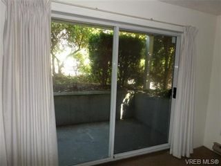Photo 3: 101 1060 Linden Ave in VICTORIA: Vi Rockland Condo for sale (Victoria)  : MLS®# 707407