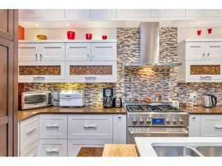 "Photo 10: 15348 VICTORIA Avenue: White Rock House for sale in ""White Rock"" (South Surrey White Rock)  : MLS®# R2579502"