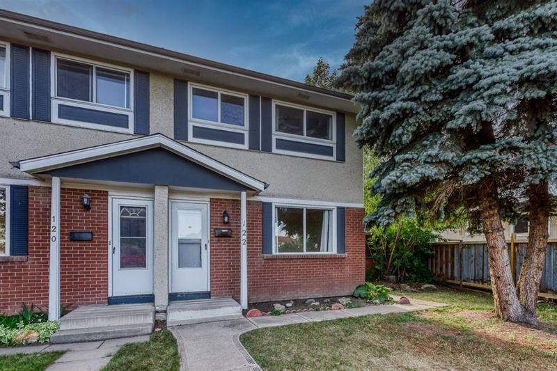 FEATURED LISTING: 122 Pennsburg Way Southeast Calgary