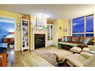 Photo 8: 2003 1225 RICHARDS Street in Vancouver West: Home for sale : MLS®# V976992