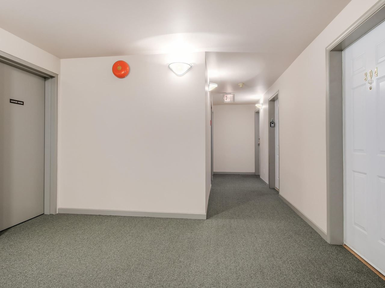 """Photo 13: Photos: 304 137 W 17 Street in North Vancouver: Central Lonsdale Condo for sale in """"Westgate"""" : MLS®# R2075830"""
