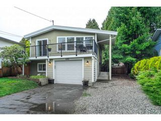 Photo 4: 15857 RUSSELL Avenue: White Rock House for sale (South Surrey White Rock)  : MLS®# R2534291