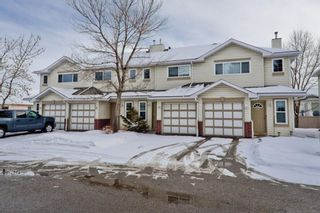 Main Photo: 63 Harvest Glen Heights NE in Calgary: Harvest Hills Row/Townhouse for sale : MLS®# A1073619