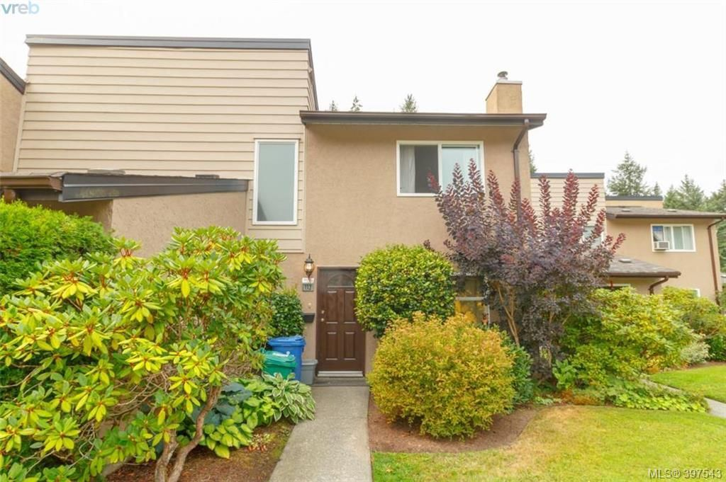 Main Photo: 113 2860 Sooke Lake Rd in VICTORIA: La Goldstream Row/Townhouse for sale (Langford)  : MLS®# 795277