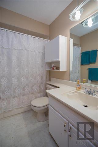 Photo 11: 427 Redonda Street in Winnipeg: East Transcona Residential for sale (3M)  : MLS®# 1820545