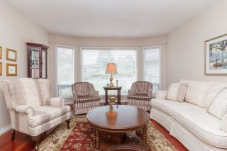 Photo 3: One owner Dean Park Home on Quiet Cul-de-Sac