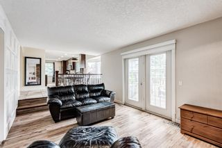 Photo 10: 335 Woodpark Place SW in Calgary: Woodlands Detached for sale : MLS®# A1110869