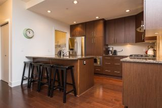 """Photo 3: 105 16447 64 Avenue in Surrey: Cloverdale BC Condo for sale in """"St. Andrew's"""" (Cloverdale)  : MLS®# R2159820"""