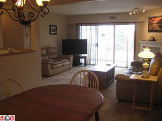 """Photo 4: 204 5377 201A Street in Langley: Langley City Condo for sale in """"RED MAPLE PLACE"""" : MLS®# R2095794"""