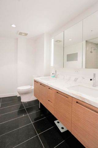 """Photo 6: 4703 777 RICHARDS Street in Vancouver: Downtown VW Condo for sale in """"Telus Garden"""" (Vancouver West)  : MLS®# R2616967"""