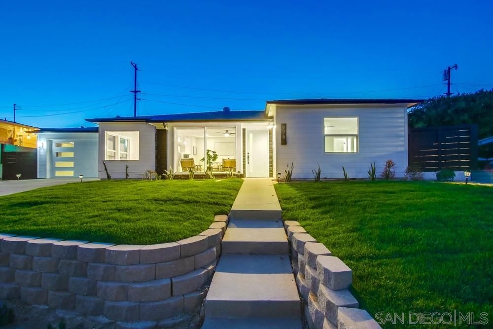 Main Photo: POINT LOMA House for sale : 3 bedrooms : 978 Manor Way in San Diego