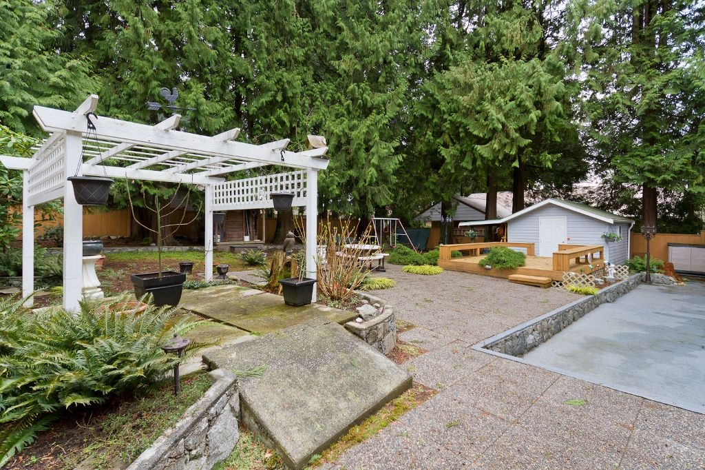 Photo 16: Photos: 423 WALKER Street in Coquitlam: Coquitlam West House for sale : MLS®# V938751