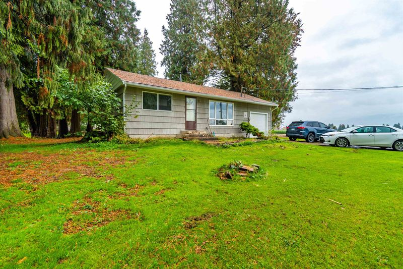 FEATURED LISTING: 48563 YALE Road Chilliwack