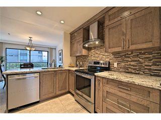 Photo 2: 1830 BELLEVUE AV in West Vancouver: Ambleside Condo for sale : MLS®# V1102775