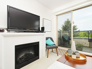 """Photo 6: 406 4550 FRASER Street in Vancouver: Fraser VE Condo for sale in """"Century"""" (Vancouver East)  : MLS®# R2394359"""