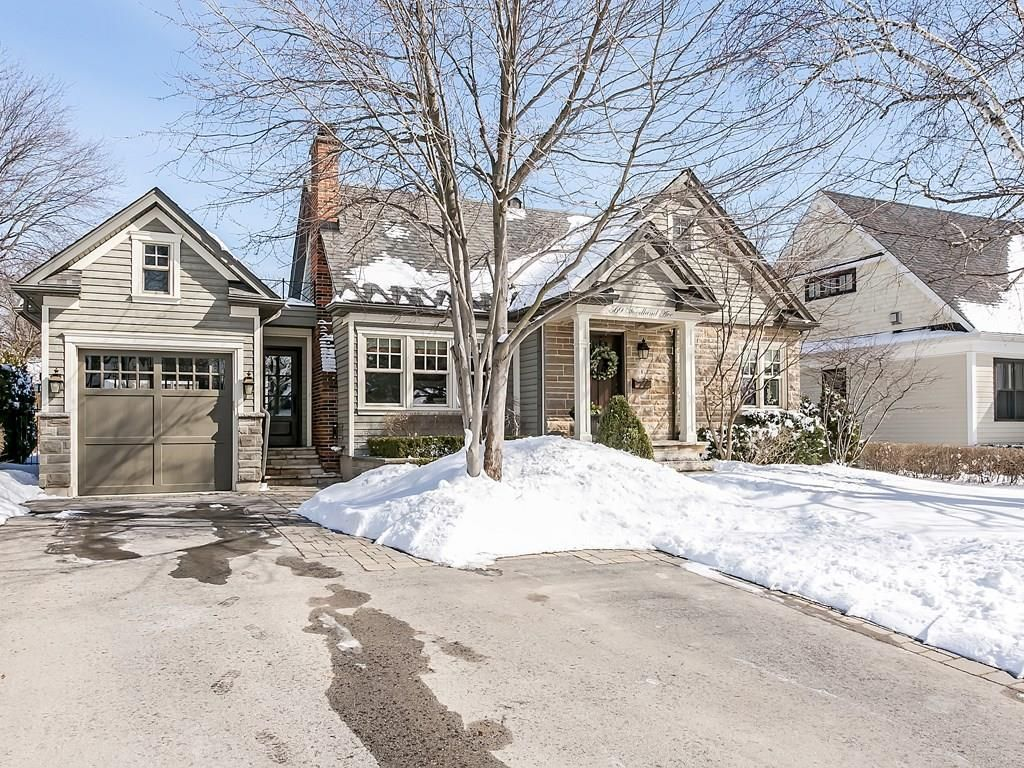 Photo 2: Photos: 569 WOODLAND Avenue in Burlington: Residential for sale : MLS®# H4047496