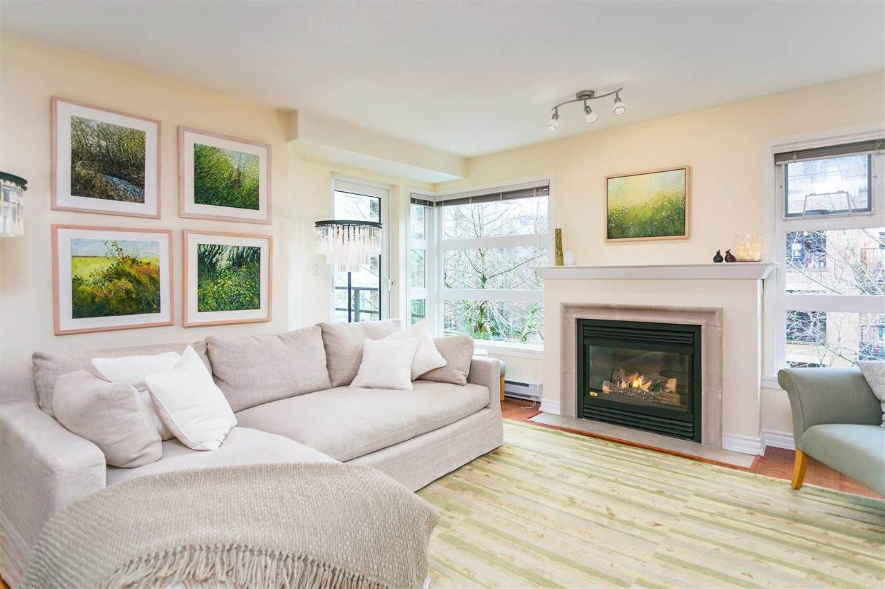 """Photo 4: Photos: 309 2181 W 12TH Avenue in Vancouver: Kitsilano Condo for sale in """"Carlings"""" (Vancouver West)  : MLS®# R2517965"""