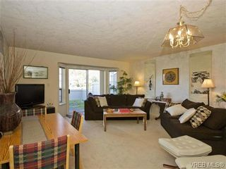 Photo 2: SAANICHTON REAL ESAANICHTON REAL ESTATE = Greater Victoria / Turgoose Home For Sale SOLD With Ann Watley!