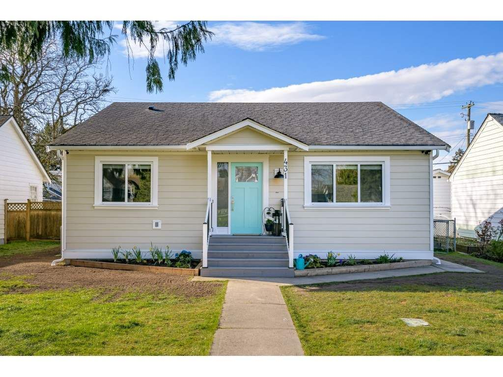 """Main Photo: 431 CATALINA Crescent in Richmond: Sea Island House for sale in """"BURKEVILLE"""" : MLS®# R2562930"""