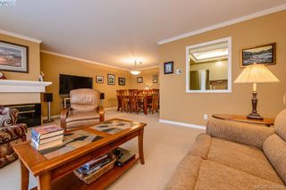 Photo 3: 205 1370 Beach Dr in VICTORIA: OB South Oak Bay Condo for sale (Oak Bay)  : MLS®# 675292