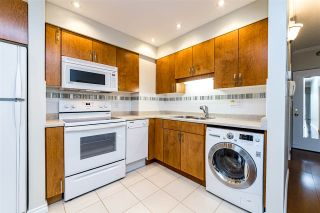 """Photo 11: 504 2187 BELLEVUE Avenue in West Vancouver: Dundarave Condo for sale in """"SUFFSIDE TOWERS"""" : MLS®# R2518277"""