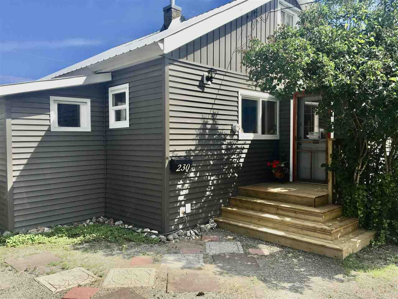 Photo 3: Photos: 230 BAKER Drive in Quesnel: Quesnel - Town House for sale (Quesnel (Zone 28))  : MLS®# R2481471
