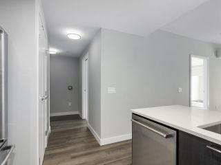 """Photo 4: 305 4289 HASTINGS Street in Burnaby: Vancouver Heights Condo for sale in """"MODENA"""" (Burnaby North)  : MLS®# R2354279"""