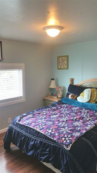 Photo 7: OCEANSIDE Manufactured Home for sale : 4 bedrooms : 4660 N River Road #80