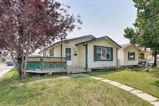 Photo 2: 180 Castledale Way NE in Calgary: Castleridge Detached for sale : MLS®# A1135509
