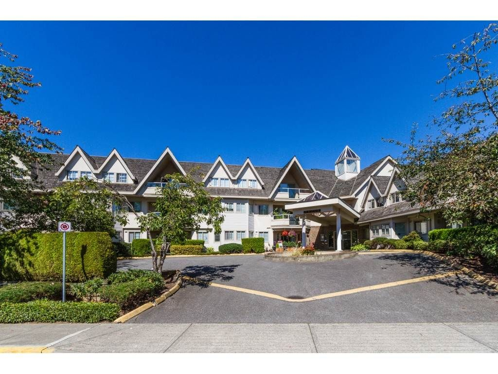 "Main Photo: 204 19241 FORD Road in Pitt Meadows: Central Meadows Condo for sale in ""VILLAGE GREEN"" : MLS®# R2428267"