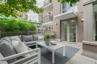 """Photo 2: 606 1055 RICHARDS Street in Vancouver: Downtown VW Condo for sale in """"The Donovan"""" (Vancouver West)  : MLS®# R2617881"""
