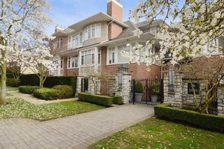 """Photo 1: 306 3088 W 41ST Avenue in Vancouver: Kerrisdale Condo for sale in """"THE LANESBOROUGH"""" (Vancouver West)  : MLS®# R2339683"""