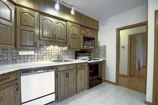 Photo 9: 2104 Victoria Crescent NW in Calgary: Banff Trail Detached for sale : MLS®# A1041397