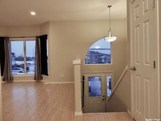 Photo 3: 114 Guenther Crescent in Warman: Residential for sale : MLS®# SK868007