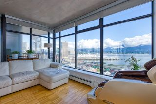 """Photo 9: 2310 128 W CORDOVA Street in Vancouver: Downtown VW Condo for sale in """"WOODWARD W43"""" (Vancouver West)  : MLS®# R2567403"""