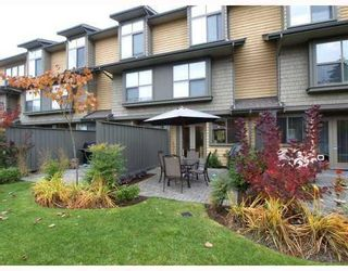 Photo 10: 1658 St. Georges Avenue in North Vancouver: Central Lonsdale Townhouse for sale : MLS®# V794083