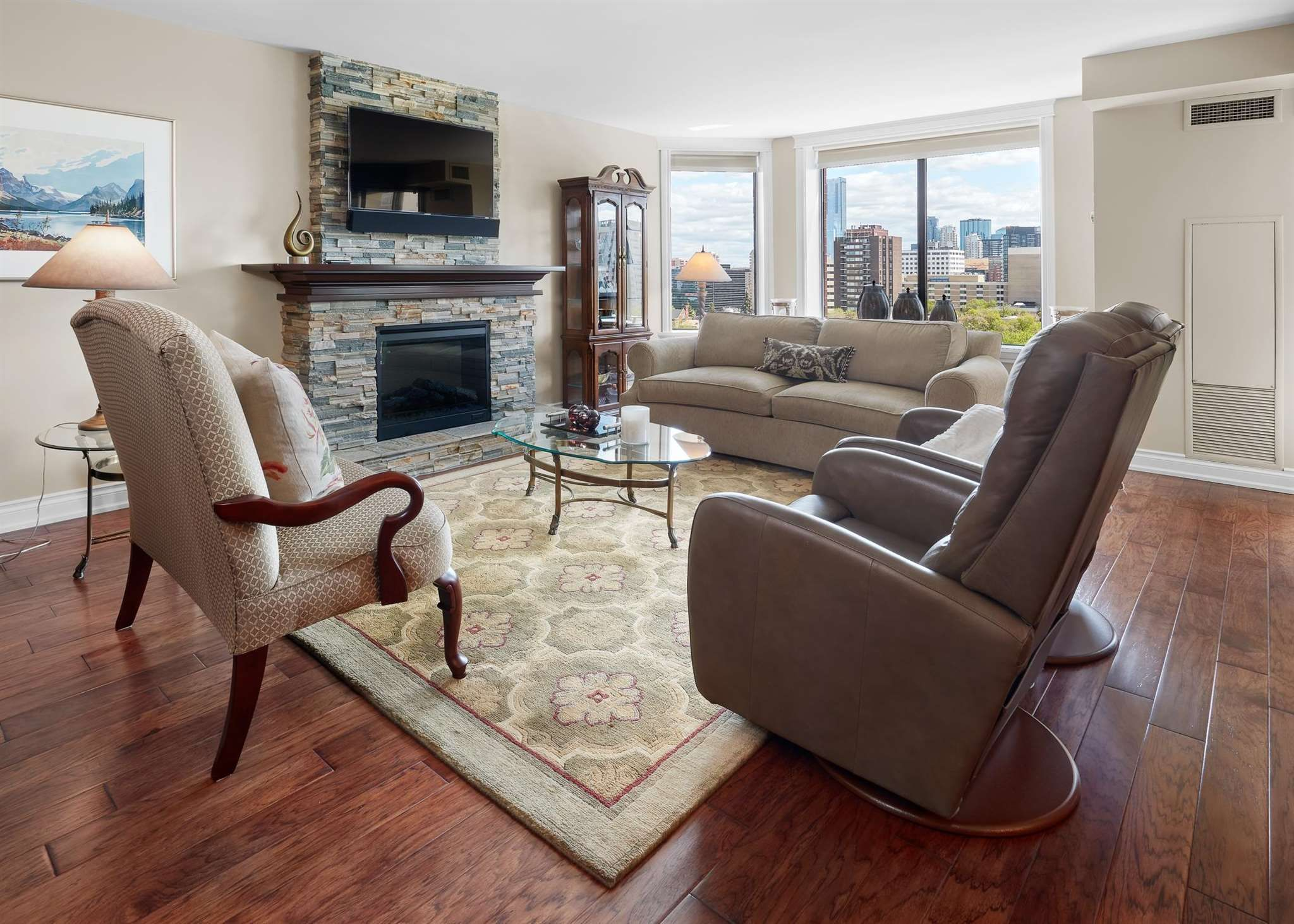 Main Photo: 1103 11503 100 Avenue in Edmonton: Zone 12 Condo for sale : MLS®# E4247570