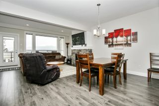 """Photo 3: 48 6026 LINDEMAN Street in Chilliwack: Promontory Townhouse for sale in """"Hillcrest Lane"""" (Sardis)  : MLS®# R2504692"""