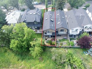 Photo 2: 2722 7 Avenue NW in Calgary: West Hillhurst Semi Detached for sale : MLS®# A1098614
