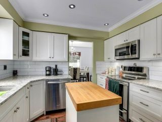 """Photo 14: 212 13725 72A Avenue in Surrey: East Newton Townhouse for sale in """"Park Place Estates"""" : MLS®# R2559356"""