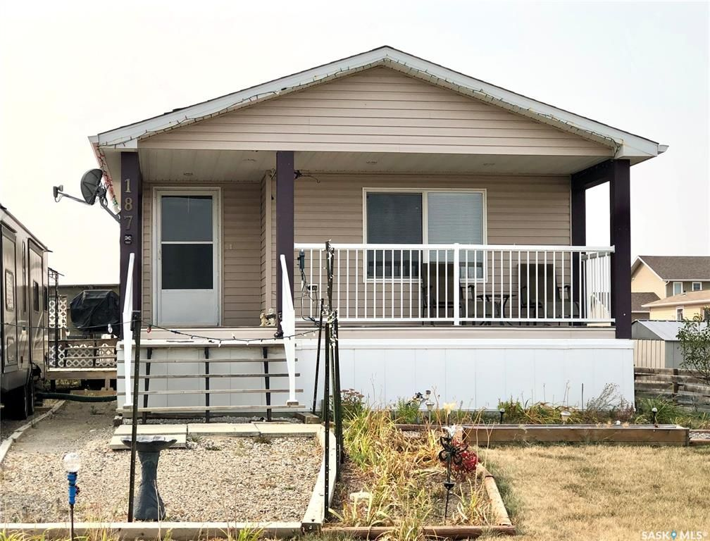 Main Photo: 187 Robinson Avenue in Macoun: Residential for sale : MLS®# SK845281