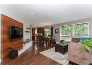 Photo 5: 26550 28B Avenue in Langley: Aldergrove Langley House for sale : MLS®# R2164827