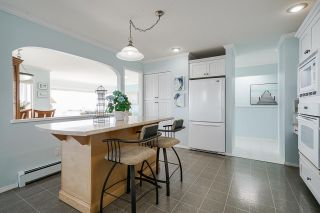 "Photo 11: 15452 VICTORIA Avenue: White Rock House for sale in ""White Rock Hillside"" (South Surrey White Rock)  : MLS®# R2558705"