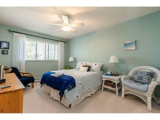 """Photo 17: 404 15991 THRIFT Avenue: White Rock Condo for sale in """"Arcadian"""" (South Surrey White Rock)  : MLS®# R2505774"""